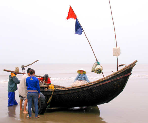 Sam Son Bamboo Basket Boat on Trolley